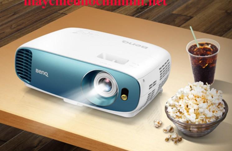 Máy chiếu 4K BenQ TK800 có gì hot ?