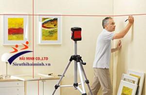 Hướng dẫn sử dụng máy cân bằng laser để treo tranh ảnh trên tường