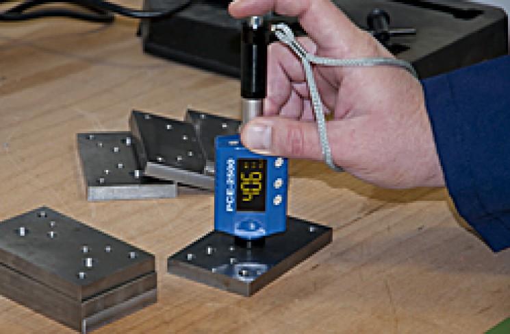 Review máy đo độ cứng kim loại cầm tay PCE - 2500