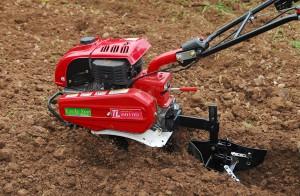 Có nên đầu tư vào máy xới đất ?